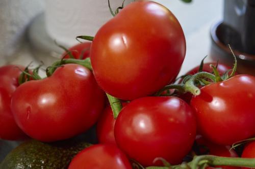 Tomatos Avocados